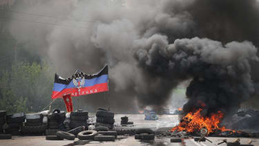 Rebels seize two military bases in eastern Ukraine