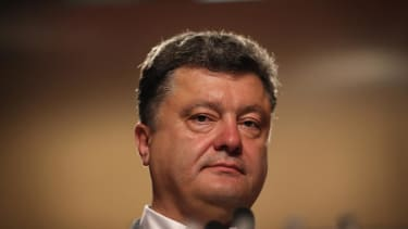 Ukraine ends cease-fire, begins military offensive against pro-Russian separatists