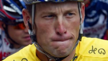 Lance Armstrong has given up his fight against the USADA's doping allegations and will forfeit his seven Tour de France titles.