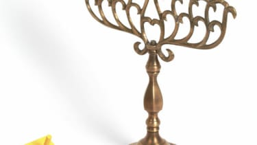 Scott Walker agreed to display a menorah, signed letter 'Thank you and Molotov'