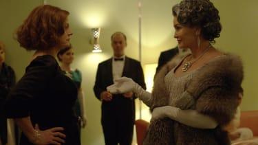 Susan Sarandon as Bette Davis, Jessica Lange as Joan Crawford