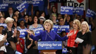 Hillary Clinton would eenly split her cabinet between men and women.