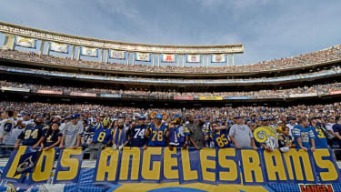 St. Louis Rams owner plans to build stadium in Los Angeles