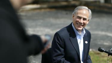 Greg Abbott beats Wendy Davis in Texas gubernatorial race