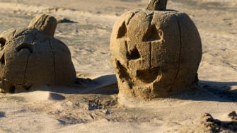 Sand pumpkins can stay.