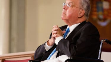 Former Boston Mayor Tom Menino stopping his treatment for cancer, will 'spend more time' with family and friends