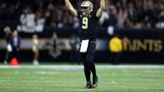 Drew Brees sets new NFL record