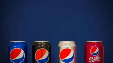 Pepsi and Diet Pepsi cans.