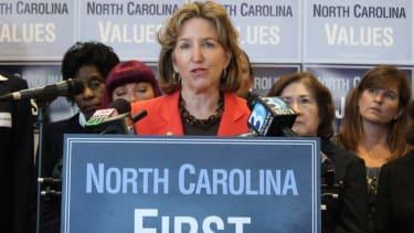 Poll: Democratic Sen. Kay Hagan maintains slim lead in crucial North Carolina race