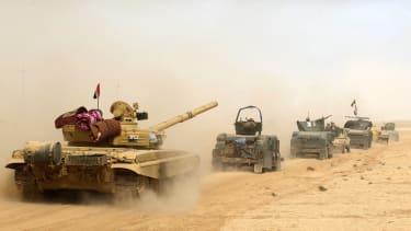 Iraqi forces deploy near Mosul.