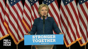 Hillary Clinton holds a press conference in Des Moines on FBI revelations