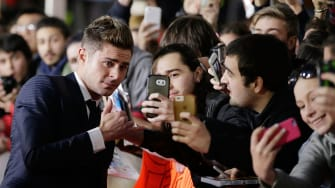 Zac Efron cannot seem to break the mold of the pretty boy.