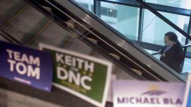 DNC chair signs