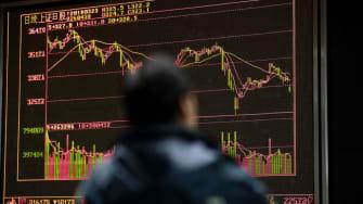 Asian stocks plummet amid fears of a trade war