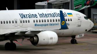 Ukraine International Boeing 737-800