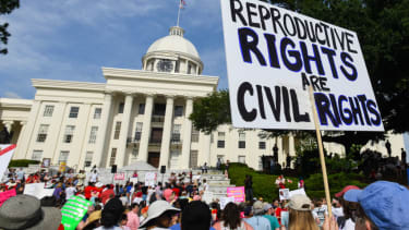 Pro-choice protesters in Alabama.