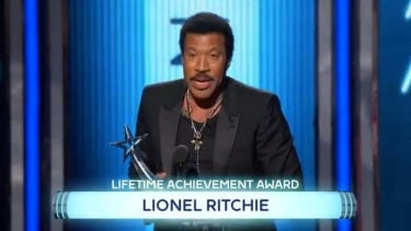 A little misspelling doesn't take away from Lionel Richie's lifetime achievement award