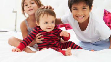Study: Firstborn children often outshine their siblings