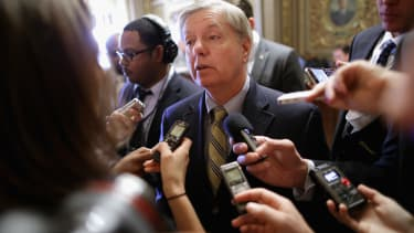 GOP senator blames Hillary Clinton for the Ukrainian crisis, because #Benghazi