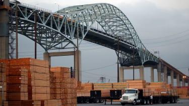 Trump slaps 20 percent tariff on Canadian lumber imports