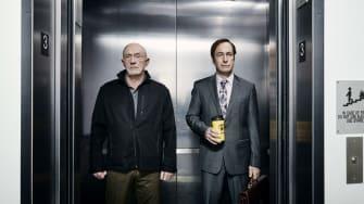 Jonathan Banks as Mike Ehrmantraut and Bob Odenkirk as Jimmy McGill - Better Call Saul Season 2.