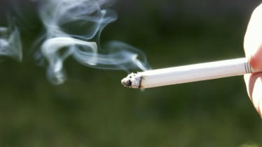 Study finds that almost 1 in 10 cancer survivors still smoke