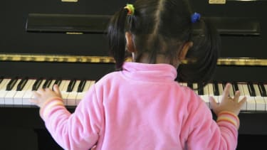 Study: Playing music could improve kids' brains