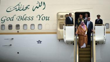 The Saudi monarch arrives.