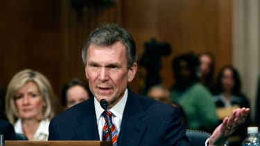Tom Daschle, Obama's first pick of HHS secretary, withdrew his name
