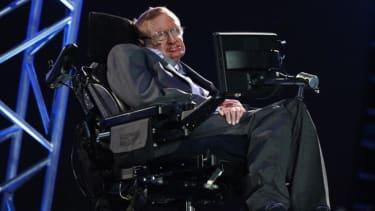 Stephen Hawking wants to play a Bond villain
