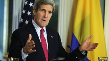 Diplomatic efforts to ease Russia-Ukraine tensions begin shakily