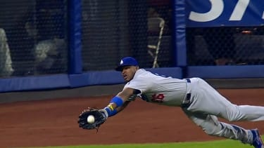 Watch Dodgers outfielder Yasiel Puig's ludicrously good catch