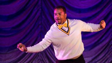 Alfonso Ribeiro does the Carlton dance.