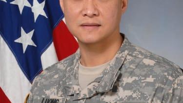 Vietnam War refugee becomes the military's first Vietnamese-born general