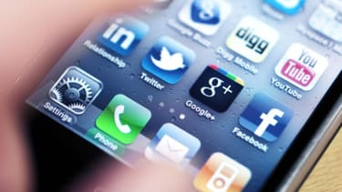 Study shows that cellphone addiction is 'an increasingly realistic possibility'