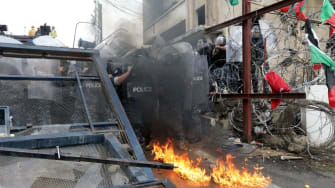 Violence erupts near U.S. Embassy in Lebanon
