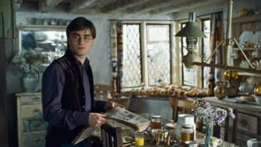 Daniel Radcliff as Harry Potter in Harry Potter and the Deathly Hallows Part 1.