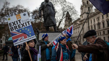Britain gears up for vote on Brexit proposal