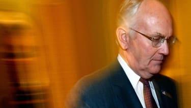 Ex-Senator Larry Craig's bathroom sex sting just cost him $242,535
