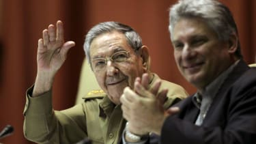 Raul Castro thanks Obama for 'a new chapter,' but affirms Cuba's communist rule