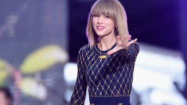 Taylor Swift made at least $280,000 on Spotify in 1 month with 1 song