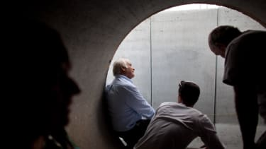Israeli administration orders removal of 'men's only' sign from local religious court's bomb shelter