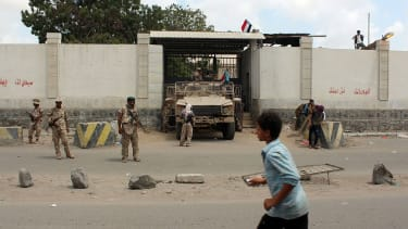 Loyalist forces outside Aden Central Prison.