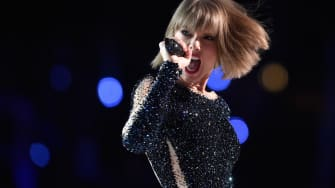 Taylor Swift is helping other artists with her celebrity status.