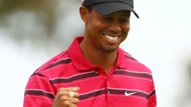 Tiger Woods turns to twitter