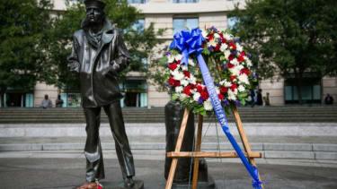 Navy Yard memorial