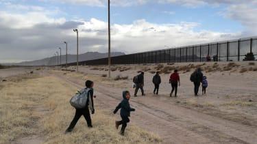 Migrants approaching U.S. border near El Paso.