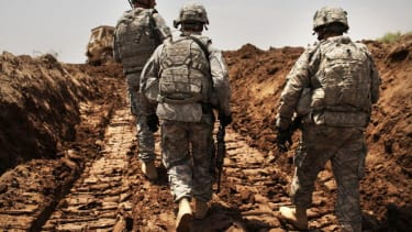 Obama OKs 1,500 more troops in Iraq