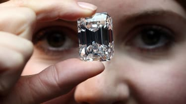 Teen finds diamond.
