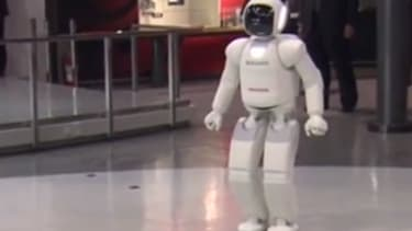 President Obama finds Japan's soccer-kicking robots 'a little scary'